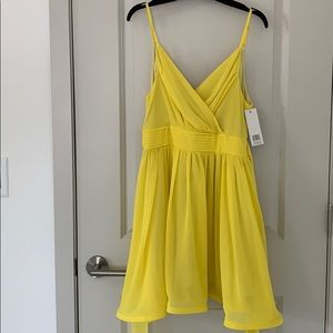 Dresses & Skirts - YELLOW PARTY DRESS!!!